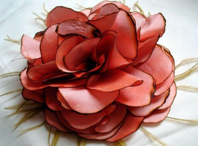 Изготовление искусственных цветов: варианты из бумаги и из ткани