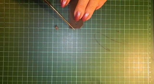 Что можно сделать из кожи своими руками: цветы, браслет, ножны и кошелёк