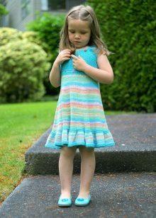 Вязаное платье для девочки спицами со схемами и описанием: подборка фото