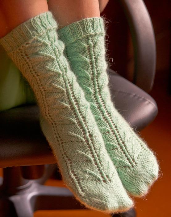 Ажурный узор спицами: схема с описанием для пледа, для шапки и для носков