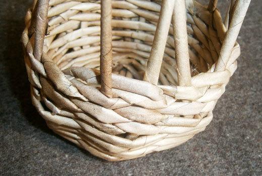 Как плести из трубочек для плетения: корзинки для начинающих с фото