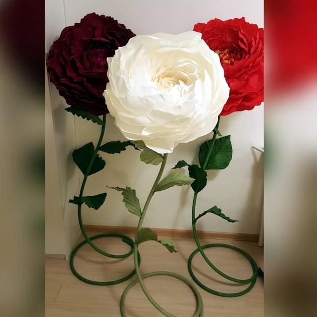 Большие цветы из гофрированной бумаги: мастер класс своими руками с фото