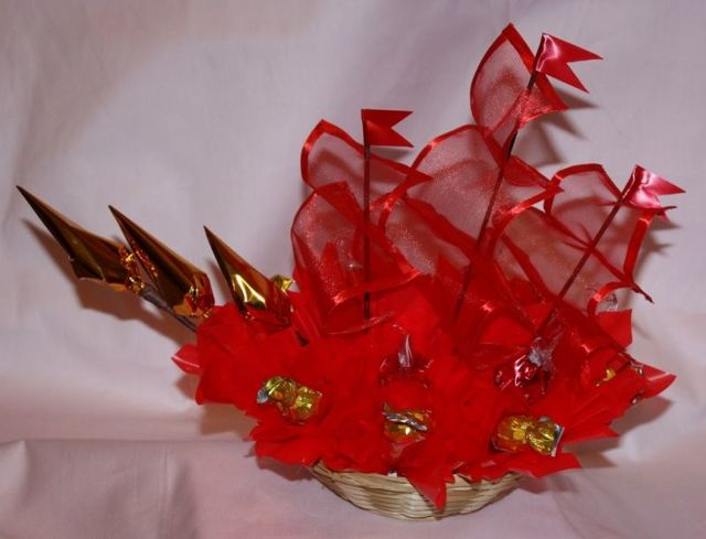 Букеты из конфет для начинающих своими руками (с видео-уроками)