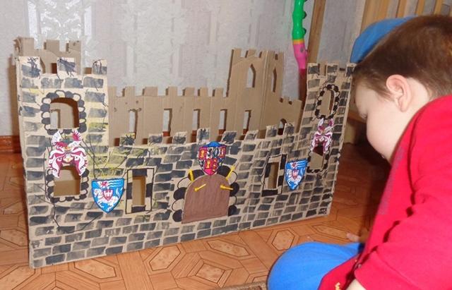 Замок из картона своими руками: мастер класс поэтапно