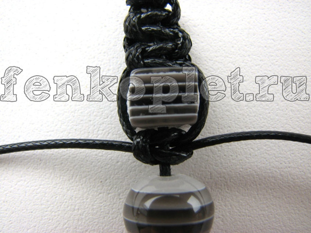 Как завязать узел: варианты на браслете между бусин и на фенечке
