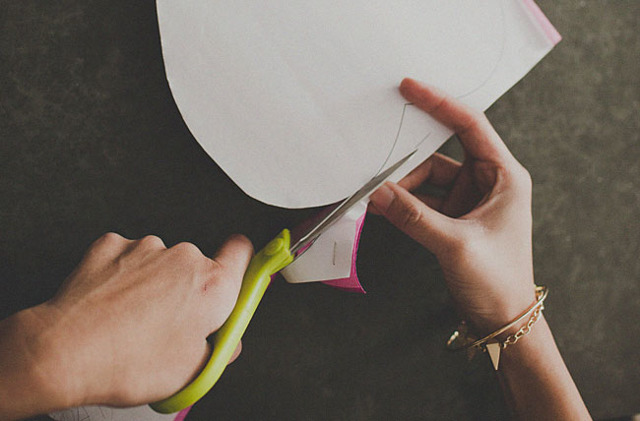 Как сделать цветок из бумаги: видео-инструкция как делать из гофрированной бумаги