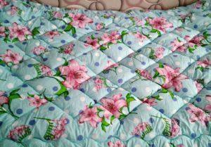 Стеганое одеяло своими руками: мастер класс как сшить из шерсти для начинающих