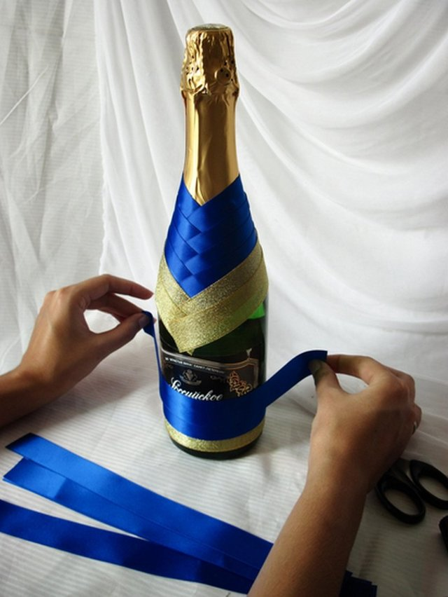 Оформление бутылки коньяка для мужчины: мастер класс лентами