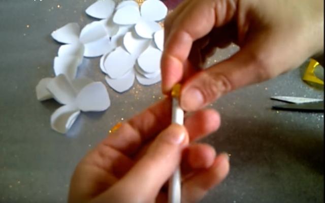 Аленький цветочек: поделки своими руками для мамы
