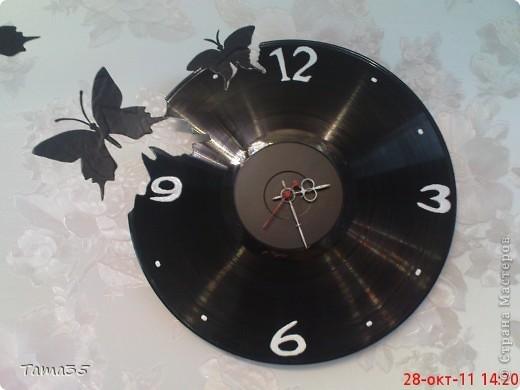 Часы из виниловой пластинки: трафареты и видео-подборка