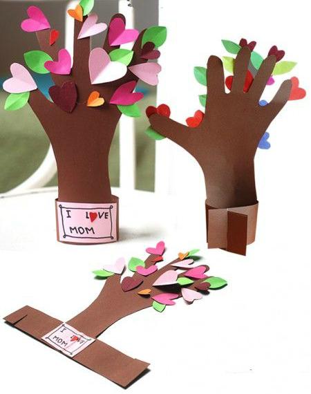 Букет-поделка для мамы: делаем из бумаги на 8 марта
